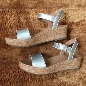 Girls Ugg Gold Milley Wedge Sandals Sz 5